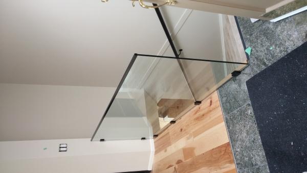 Interior Frameless Glass Guardrail with Stainless Steel Spigot Post